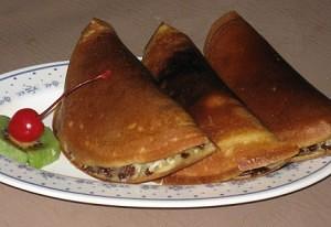 Cara membuat roti terang bulan mini atau biasa dikenal dengan martabak manis