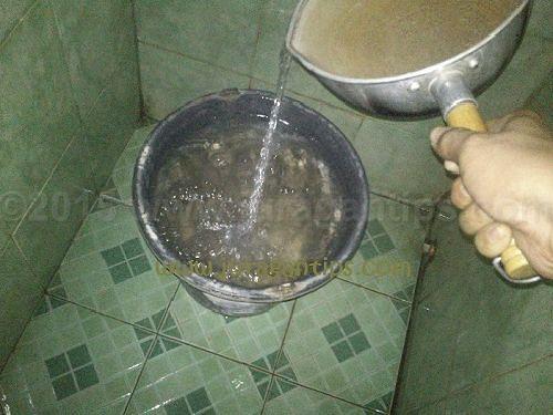 Ketahui Manfaat Mandi Air Hangat Saat Malam Hari